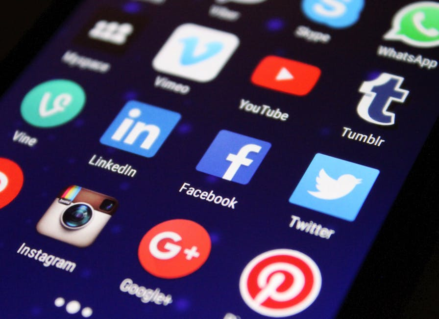 Social ads, publicité facebook ads instagram twitter